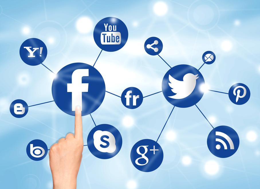 Психология на харесването във Facebook